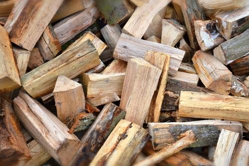 Tvrdé dřevo syrové